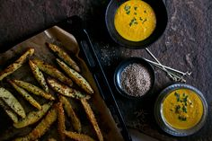 Kartoffelecken mit Kurkuma Dip | Foodlovin'