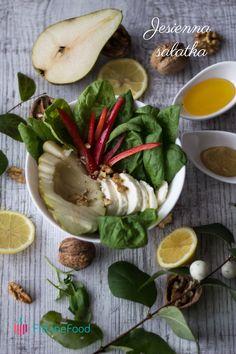 Sałatka ze szpinakiem gruszką, papryką, mozzarellą i orzechami włoskimi. Jako sos świetnie sprawdzi się oliwa z oliwek lub sos miodowo-musztardowy. www.fitlinefood.com