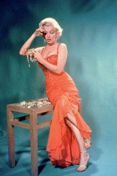 Marilyn Monroe / publicity photo for Howard Hawks's Gentlemen Prefer Blondes (1953)