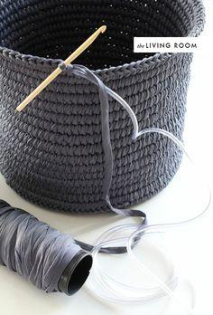 http://www.thehousethatlarsbuilt.com / DIY room to room: crochet