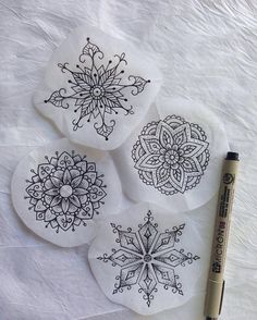 These beautiful things were created by ! And are di Mandala Tattoo Tattoo Mama, P Tattoo, Tattoo Blog, Tattoo Drawings, Pencil Drawings, Small Mandala Tattoo, Mandala Tattoo Design, Mandala Drawing, Mandala Flower Tattoos