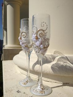 toasting flutes for wedding | Wedding toasting glasses, hand decorated with an original design in ...