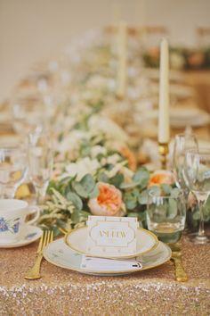 glittering gold + peach reception | via: style me pretty