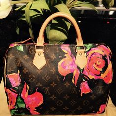 Louis Vuitton Limited Edition Monogram Bag Excellent Condition !!! Limited Edition ... Only keep in closet all time . Use once !! No flaws.. Just perfect !!! Very clean and from non smoking home . 100% Authentic !!!! Louis Vuitton Bags
