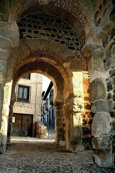 Puerta de Alfonso VI Toledo,  Spain