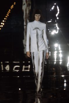 Givenchy Fall 1999 Ready-to-Wear Collection Photos - Vogue
