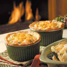 Seafood Potpies Recipe- Recipes You'll really like this recipe if you favor crab and shrimp. It's an old family favorite, and it tastes gourmet even though it's so easy to make. All my friends love it! Seafood Pot Pie, Seafood Dishes, Fish And Seafood, Wrap Recipes, Fish Recipes, Seafood Recipes, Cooking Recipes, Yummy Recipes, Good Food