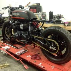 Another look at the current shop build by Cb 750 Cafe Racer, Cafe Racing, Cb750, Honda Cb, Scrambler, Custom Bikes, Cars And Motorcycles, Building, Vehicles