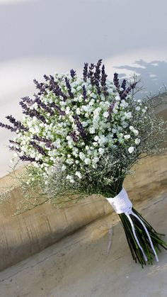 bouquet with plaster and lavender. Bridal bouquet with plaster and lavender. Bridal bouquet with plaster and lavender. Lavender Flowers, Bridal Flowers, Flower Bouquet Wedding, Dried Flowers, Lavender Wedding Bouquets, Country Wedding Bouquets, Rustic Bouquet, Wedding Country, Wedding Dresses