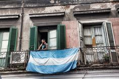 argentina flag in san telmo and a photo essay of the Sunday market