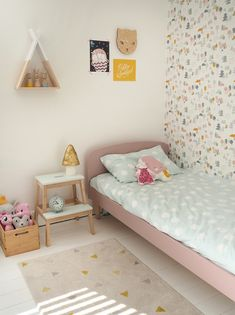 My daughter's bedroom makeover toddlers bedroom decor Shabby Chic Bedroom Furniture, Bedroom Decor, Play Beds, Cool Wall Decor, Old Room, Luxurious Bedrooms, Luxury Bedrooms, Girls Bedroom, Girl Room