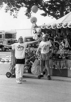 Vendors on the Midway at the Delaware State Fair. 9210_000_042_002 #1416p. From the collections at the Delaware Public Archives. www.archives.delaware.gov