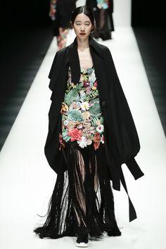 Le nouveau concepteur Cong Tri BST à Tokyo Fashion Week: d'abord la beauté, vous ne connaissez une langue !!! Wow up  - Photo 28.