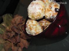 Maslové koláčiky - recept | Varecha.sk Cauliflower, Cook, Baking, Vegetables, Cauliflowers, Bakken, Vegetable Recipes, Cucumber, Backen
