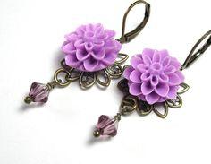 Feminine Victorian Style Lilac Swarovski Flower Earrings from jewelrybyNaLa ... https://www.etsy.com/listing/115754231/feminine-victorian-style-lilac-swarovski #feminine #VictorianStyle #lilac #Swarovski #earrings #jewelry
