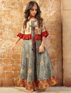 Jacket style floor length anarkali salwar suit in grey Elegant Dresses Classy, Stylish Dresses For Girls, Frocks For Girls, Gowns For Girls, Wedding Dresses For Girls, Salwar Suits Pakistani, Pakistani Dress Design, Pakistani Kids Dresses, Baby Girl Party Dresses
