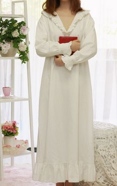 100%cotton Soft Nightdress Pure White Sleeve Robe V-neck Just look, that`s outstanding! Get it here