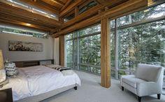 Спальня с видом на лес