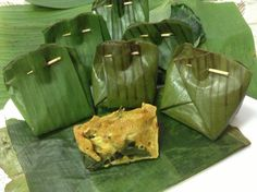 Brain food...otak-otak is steamed or grilled prcels of spicy fish mousse wrapped in banana leaves. Custardy soft n so good.
