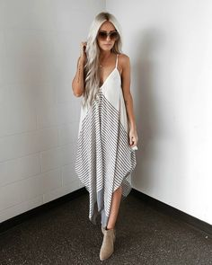 Swans Style is the top online fashion store for women. Shop sexy club dresses, jeans, shoes, bodysuits, skirts and more. Curvy Outfits, Chic Outfits, Spring Outfits, Fashion Outfits, Outfit Summer, Boho Fashion Summer, Cute Fashion, Hipster Fashion, Casual College Outfits