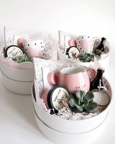 Ideias de presente para o Dia das Mães 19 DIY Gifts For Long Distance Boyfriend That Show You Care – By Sophia Lee Creative DIY Christmas Gifts – Uniq Mother's Day Gift Baskets, Gift Hampers, Gift Basket Ideas, Themed Gift Baskets, Christmas Gift Baskets, Bridal Gift Baskets, Engagement Gift Baskets, New Mom Gift Basket, Mothers Day Baskets