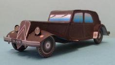 Two 1934`s Citroen Traction Paper Models - by Camille - via Le Forum En Papier
