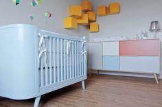 Saiba como usar o berço azul para colorir o quarto de bebê