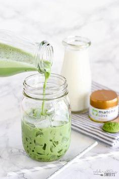 Iced Matcha Green Tea Latte – Lightly sweetened, with a subtle hint of vanilla. Iced Matcha Green Tea Latte – Lightly sweetened, with a subtle hint of vanilla. Smoothie Drinks, Healthy Smoothies, Healthy Drinks, Healthy Food, Matcha Green Tea Latte, Matcha Drink, Matcha Smoothie, Green Tea Recipes, Milk Green Tea Recipe