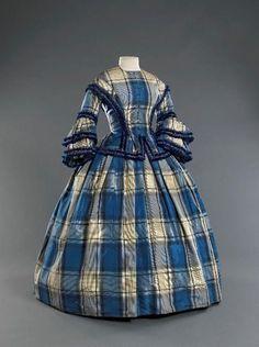 55 blue & white plaid with fringe, Musee Galeria 1800s Clothing, Antique Clothing, Historical Clothing, 1850s Fashion, Victorian Fashion, Vintage Fashion, Plaid Fashion, Vintage Gowns, Vintage Outfits