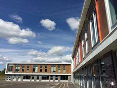 Project: Ecole de L'Espace Coloeur   Location: Terrebonne, QC   Product: VIVIX #brilliantbuildings