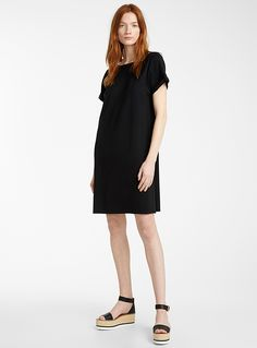 Collection from canadian designers for Women at La Maison Simons online Store. Shop the hottest styles and trends in clothing and accessories for COLLECTIONS. Nylons, Cuff Sleeves, Mannequin, Designing Women, Short Sleeve Dresses, Dresses For Work, Shirt Dress, Clothes For Women, Elegant