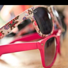 Spring ray bans!!! Want these!! Look just like the old school oakleys :)