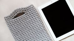 Praktyczne i eleganckie etui na tablet ręcznie zrobione na szydełku z bawełnianego sznurka. Miękkie i mięsiste będzie świetną ochroną dla Twojego tabletu :)  dostępny w wielu pięknych kolorach. #etui #tablet #szary #szare #etuinatablet #pokrowiec #osłona #rękodzieło #szydełko #szydełku #naszydełku #ręcznie #zrobione #sznurek #bawełna #bawełniany #zesznurka #sznurka #handmade #tablet #case #grey #crochet #crocheting #cotton #rope #cottonrope #cord #cottoncord #light #lightgrey