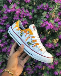 Bumble Bee Converse Custom Rate from 1 - 100 ~ : KayCee.- Bumble Bee Converse Custom Rate from 1 - 100 ~ : KayCee. Diy Converse, Painted Converse, Painted Sneakers, Hype Shoes, On Shoes, Me Too Shoes, Custom Vans Shoes, Custom Sneakers, Custom Made Converse