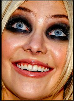 Sometimes celebs look gross, here are those times!