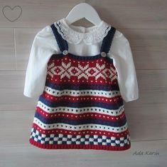 Babykjole i  rødt, hvitt, blått Baby Barn, Knit Baby Dress, Baby Dresses, Knitting, Fashion, Knits, Dresses For Babies, Bebe, Tricot