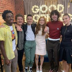 The cast of Stranger Things on the Good Morning America! Bobby Brown Stranger Things, Stranger Things Quote, Stranger Things Steve, Stranger Things Aesthetic, Stranger Things Season 3, Stranger Things Netflix, Sadie Sink, Good Morning America, Millie Bobby Brown