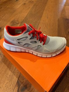 sports shoes db5bc e920d LIVESTRONG x  Nike Free Run   Sneakers and Kicks   Nike free run 2, Nike  free, Nike free runs