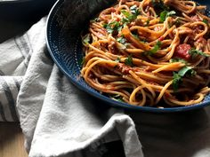Weeknight One Pot Spaghetti Dinner - Daily Dose Of Pepper