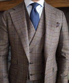 Great look what do you think? #hautecouture #gentlemanstyle #sprezza ...repinned vom GentlemanClub viele tolle Pins rund um das Thema Menswear- schauen Sie auch mal im Blog vorbei www.thegentemanclub.de
