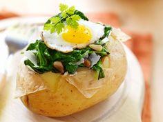 Gevulde aardappel met spinazie en ei