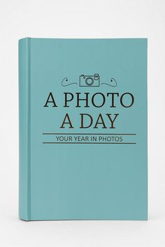 Photo a Day Photo Album. Going to do this!