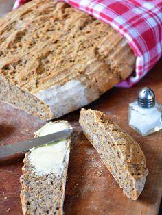Dinkel-Leinsamen-Brot