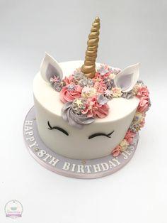 Unicorn cake. Ballet Birthday Cakes, 23 Birthday Cake, Bithday Cake, My Little Pony Birthday Party, Unicorn Birthday Parties, Unicorn Party, Univorn Cake, Poppy Cake, Buttercream Cupcakes