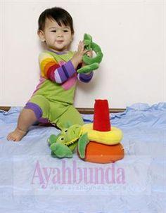 :: Jenis Permainan Bayi Usia 8 – 12 bulan :: Bermain & Permainan :: Artikel :: Ayahbunda ::