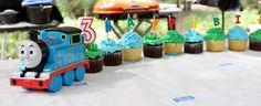 Cupcake idea instead of stand BlogsAndLala: Liam's Thomas the Train Birthday Party