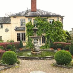 The Secret English Gardens and I Mean Secret! - laurel home - Gorgeous gardens and house at Laskett Gardens