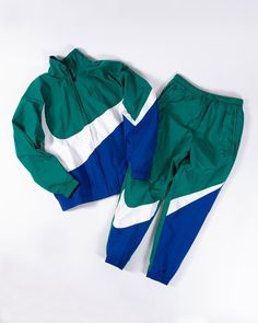 Rate this Nike pair from Nike Outfits, Sporty Outfits, Nike Fashion, Sneakers Fashion, Mens Tracksuit Set, Nike Mode, Yellow Beanie, Nike Clothes Mens, Vintage Outfits