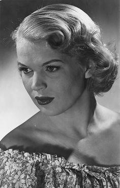 Tuija Halonen 1926-2009 Old Movies, Finland, Crowd, Retro Vintage, Actresses, Actors, History, People, Faces