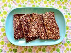 In einer ketogenen bzw. in einer Low Carb-Ernährung hat Brot keinen Platz. Egal ob Weiss- oder Vollkornmehl, beide lassen den Blutzuckerspiegel stark ansteigen, letzteres zwar etwas langsamer, den...